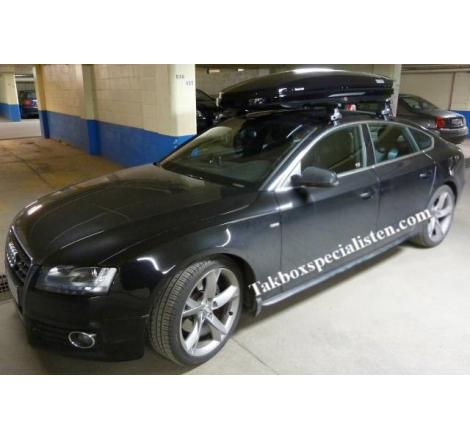 Takbox Thule Dynamic M800 Svart högblank på Audi A5
