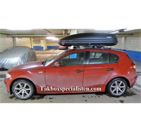 Takbox Thule Pacific / Touring 780 Svart högblank på BMW 1 Serie