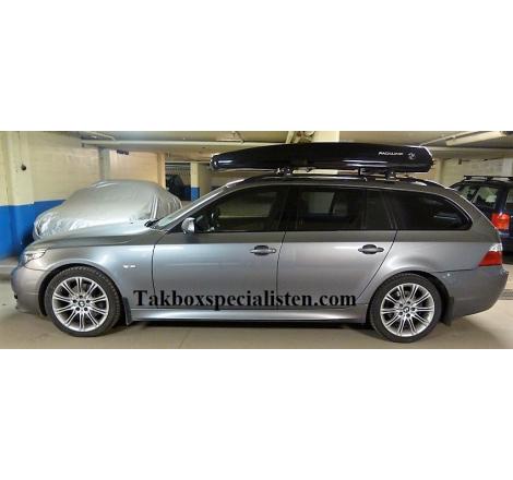 Takbox Packline FX-U Svart högblank på BMW 5 Serie Touring