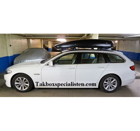 Takbox Calix 430/600 Svart matt på BMW 5 Serie Touring