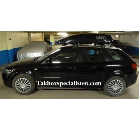 Takbox Calix 340 Svart högblank på Audi A3