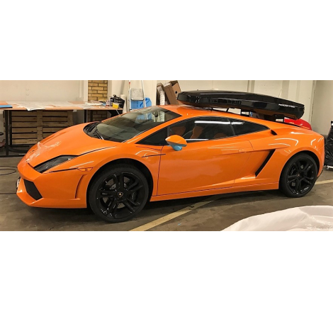 Takbox Packline NX Premium Svart högblank på Lamborghini Gallardo