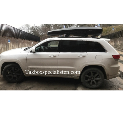 Takbox Packline NX 215 Svart högblank På Jeep Grand Cherokee